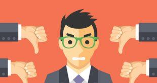 مشتری ناراضی عصبانی